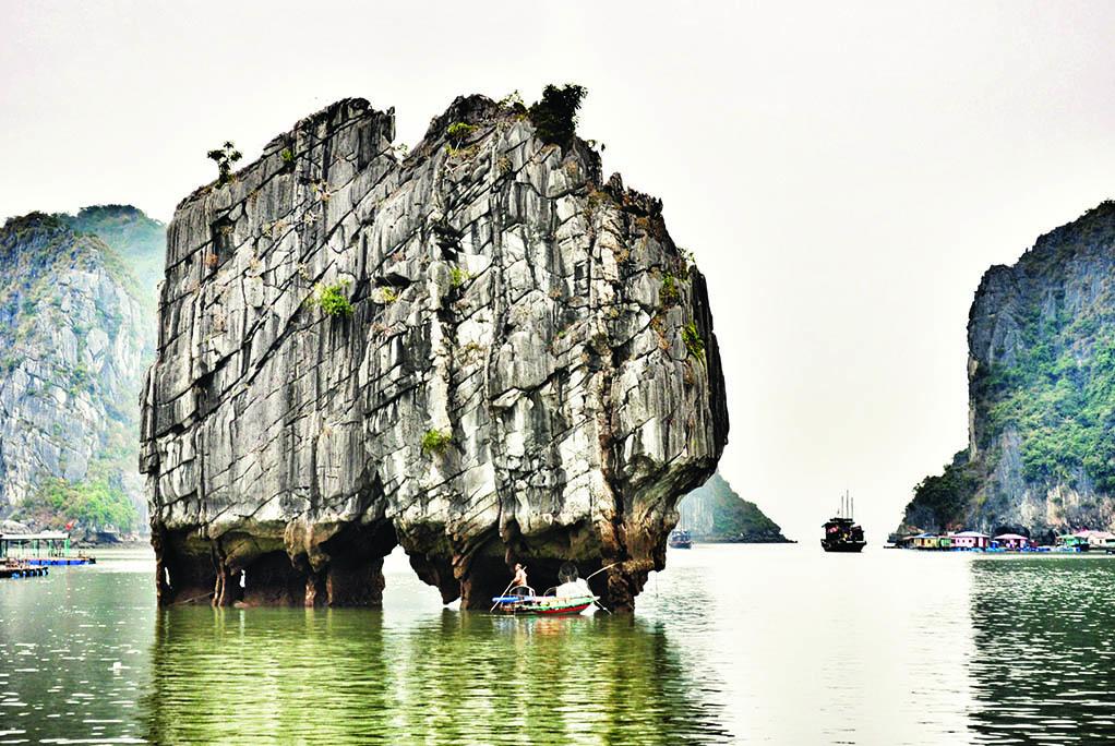34 Ο βράχος (Χα Λονγκ)
